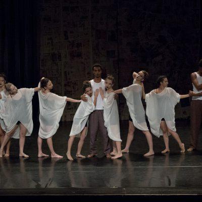 Contemporaneo Adulto - Espetaculo - Corpo Escola de Dança foto de TATI MOTTA dezembro 2014
